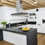 groepsaccommodatie-32-personen-keuken-de-linde